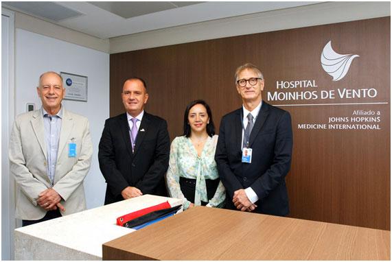 O Hospital Moinhos de Vento e HMV Engenheiros assinam contrato